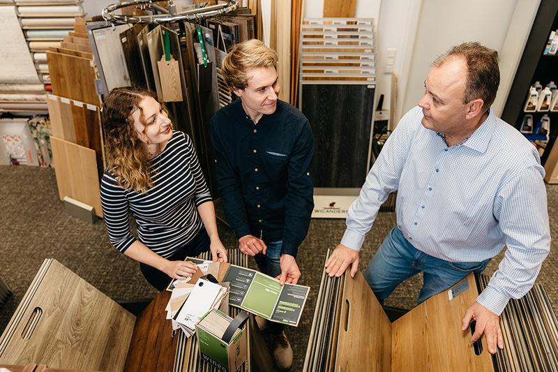 Für ihren neuen Fußboden bieten wir Beratung, fachliche Begleitung und Verlegung