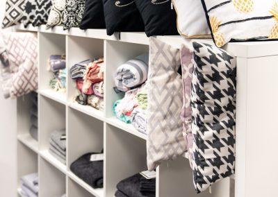 Schöne Innenausstattung wie Kissen, Decken, Handtücher in unserem Geschäft in Bielefeld (Schröttinghausen) und nahe Werther