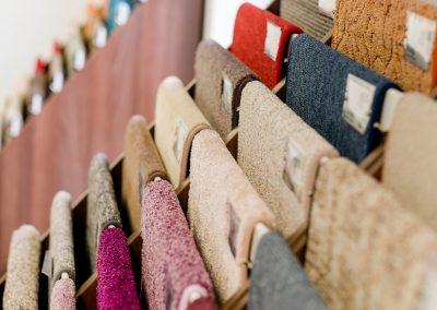Auswahl an Teppichen, Teppichböden, weiteren Materialien und Innenausstattung in unserem Geschäft in Bielefeld Schröttinghausen und nahe Werther