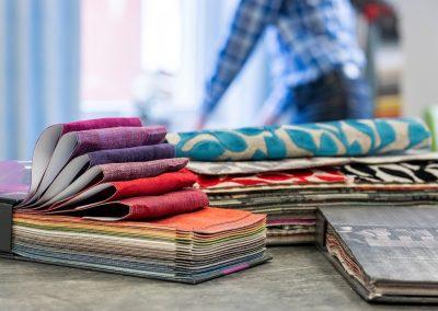 Fachliche Beratung und Service rund um Textilien für die Innenausstattung in unserem Geschäft in Bielefeld Schröttinghausen