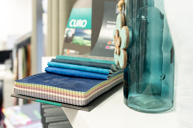 Auswahl an Textilien, Stoffe für Gardinen, Stoffbezüge, Polsterstoffe, Dekostoffe, Stores