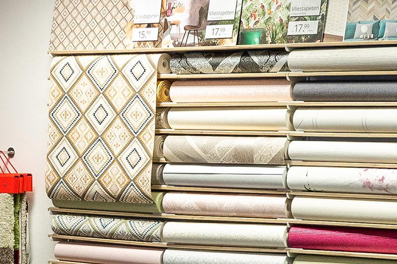 Innenausstattung für Wände und Fenster wie Tapeten, Stoffe und Gardinen in unserem Geschäft in Bielefeld Schröttinghausen nahe Werther